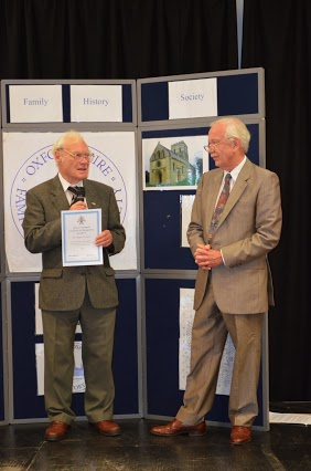 Hugh kearsey talking to Colin Chapman at awards ceremony 2013