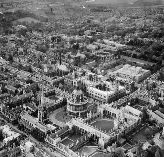 EPW000827 The Radcliffe Camera, Bodleian Library, All Souls College, St. Mary's Church and Brasenose College Oxford ,1920 ©Historic England (Aerofilms Collection)